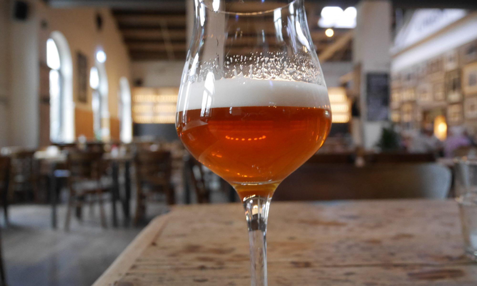 Bier Pubs HHopcast Bars ans Stores