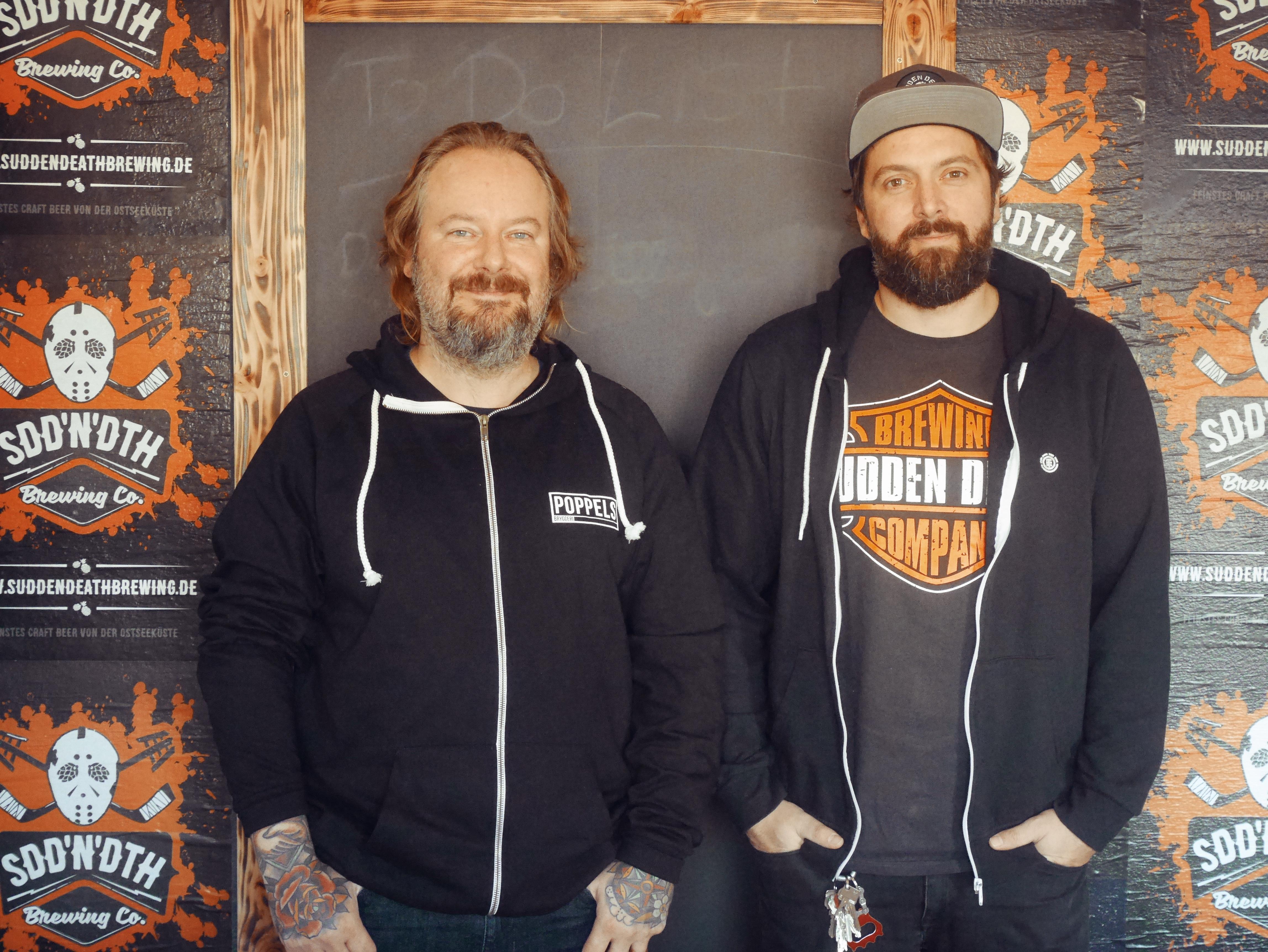 Mehr NEIPA braucht die Welt: Bier-Label-Inhaber und Brauer Oliver Schmökel (re.) und Ricky Nagel  von Sudden Death