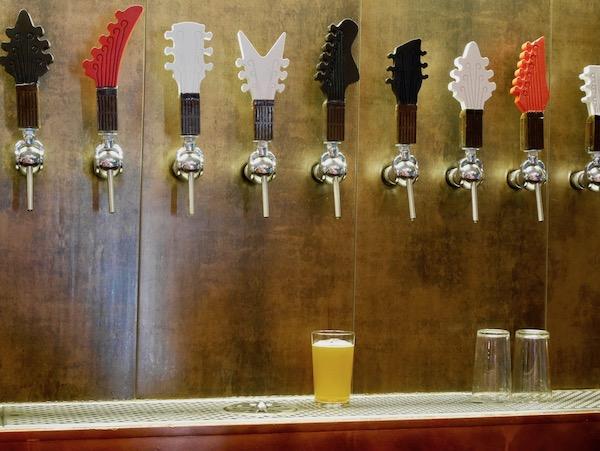 Bier-Zapfhähne im Brew Wild In Madrid