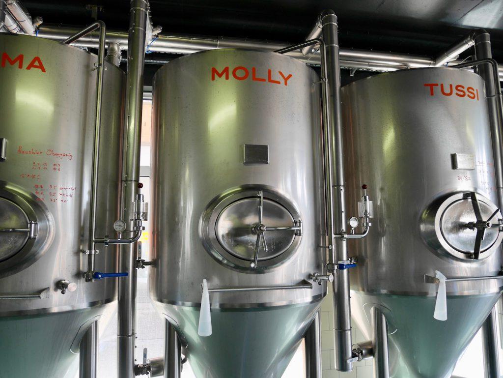 Lager- und Gaertanks in der Brauerei Dackel in Muenster