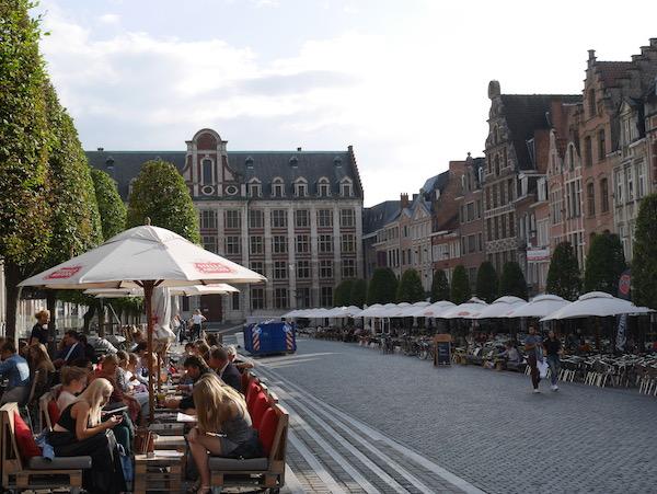 Oude Markt in Leuven Bierreise nach Belgien